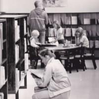 http://kirjasto.asiakkaat.sigmatic.fi/Ejpg/k744.jpg